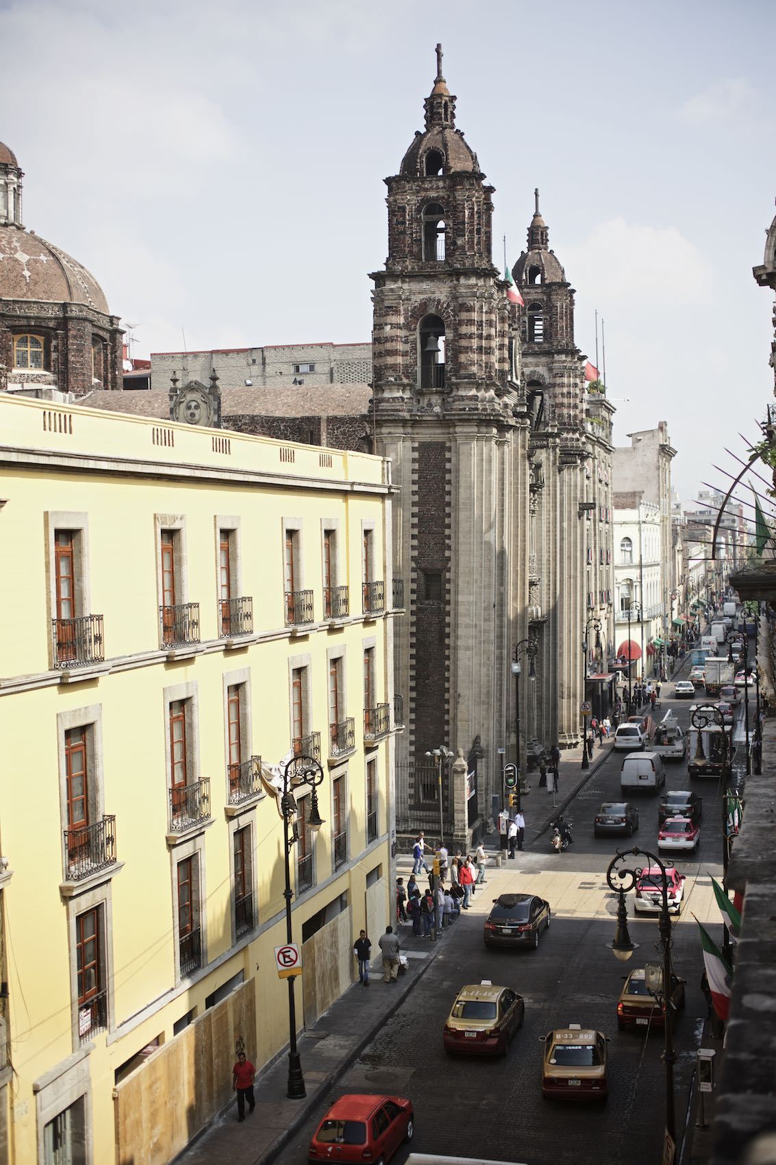 Jody Horton Photography - Mexico City street scene with historic architecture.