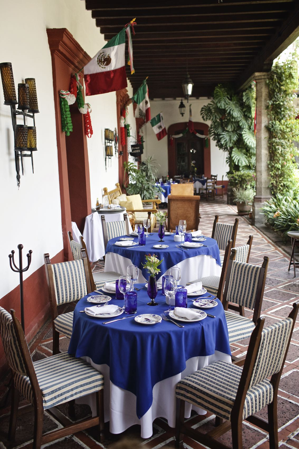 Jody Horton Photography - Restaurant patio in Mexico City.