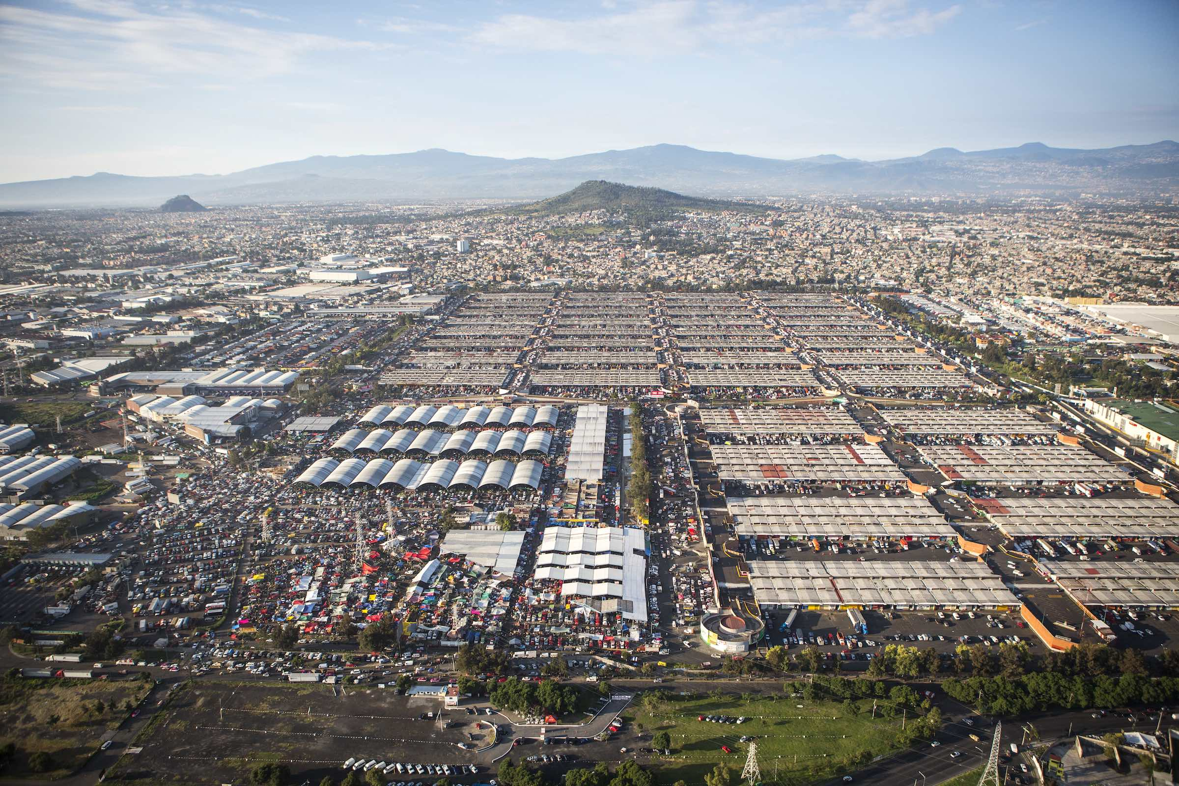 Jody Horton Photography - A sprawling food market in Mexico.
